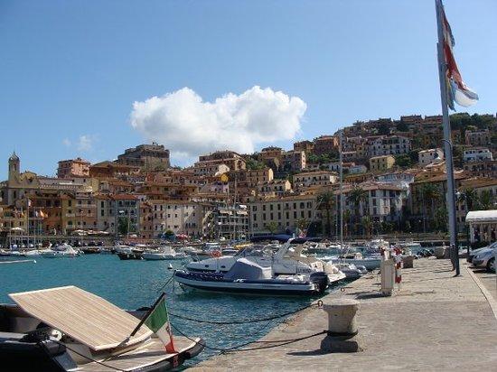 Porto Santo Stefano, إيطاليا: Cé beau en ST