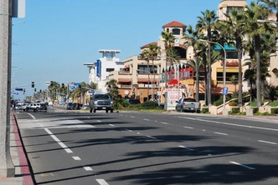 PCH, looking north, toward the shopping arcade on 1st St