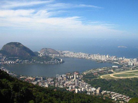 Rodrigo de Freitas Lake Image