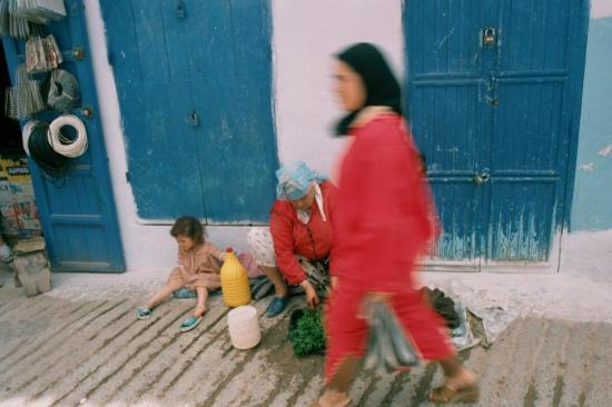 Tetouan, Fas: A typical shopping day.