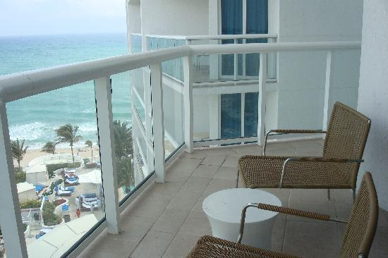 Hilton Fort Lauderdale Beach Resort: Part of the Balcony