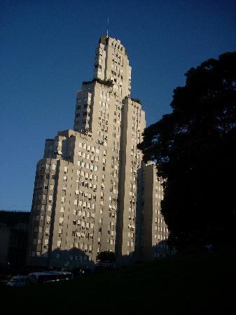 Buenos Aires Free Tour: Kavanaugh Building, evening tour