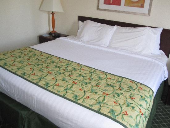 Fairfield Inn & Suites Mt. Laurel: Bed