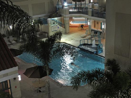 Sonesta ES Suites Orlando - International Drive: Heated pool....sometimes...