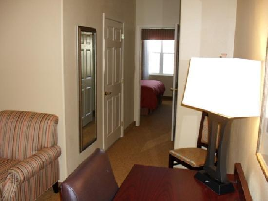 1 Bedroom King Suite With Sitting Area Picture Of Country Inn Suites By Carlson Midland