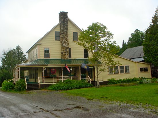Quimby Country Lodge & Cottages: Main lodge