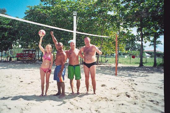 Grand Paradise Playa Dorada: Beim Volleyball