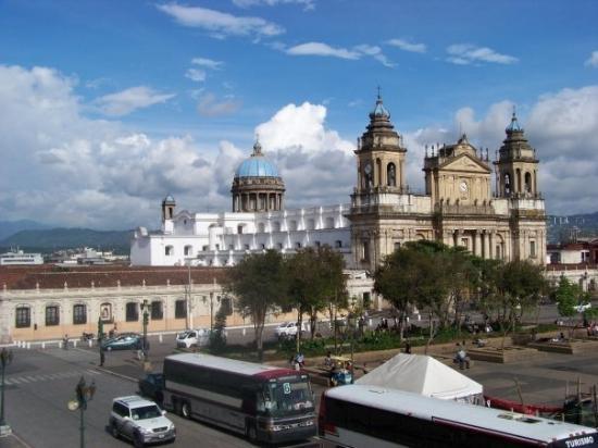 Palacio Nacional: Far away view of the palace