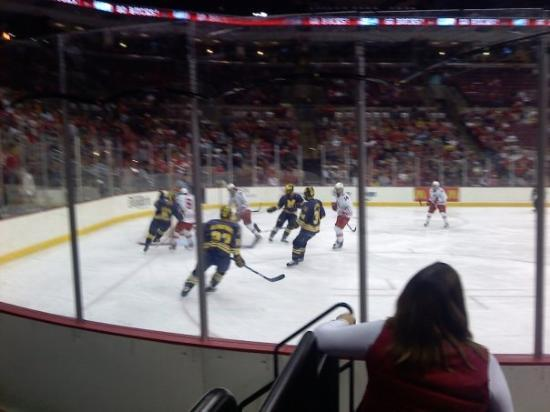 The Value City Arena at the Jerome Schottenstein Center : First Period (OSU:2 Michigan:0)