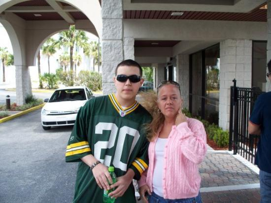 Hampton Inn Orlando/Lake Buena Vista: Me and my youngest son (christian) at our hotel , on vacation in orlando 4/09