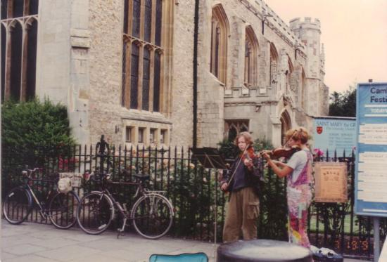 Street performers in front of King's College.