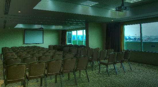فندق هولدي ان اكسبرس: Meeting Room