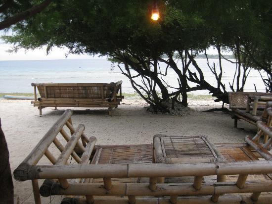 Coral Beach Bungalows: la plage de l'hotel