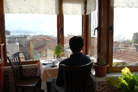 Berce Otel: Vista a la hora del desayuno