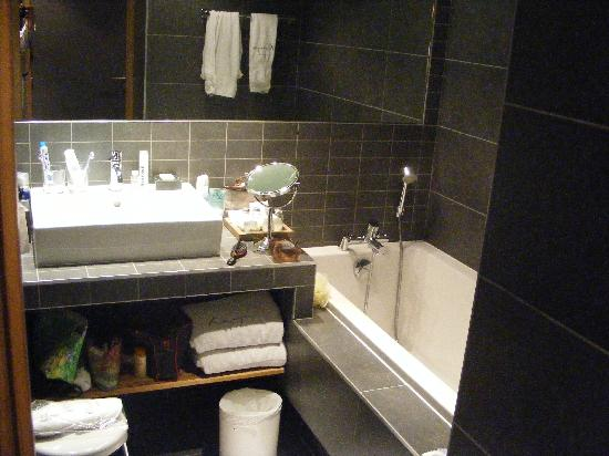 Les Menuires, France : salle de bains