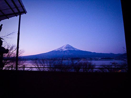 Lakeside Kawaguchiko Sunnide Resort: View from female outside bath
