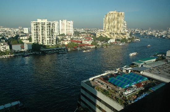 Royal Orchid Sheraton Hotel & Towers: view from our room of the Chao Phraya River