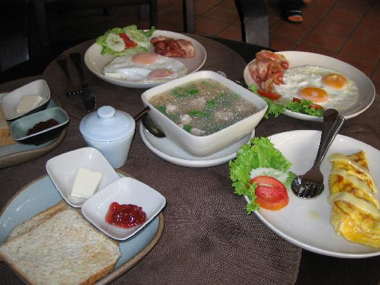 Anoma Boutique House: breakfast for my kids
