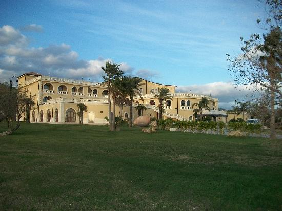 Parco dei Principi Hotel: from a distance - Camelot?