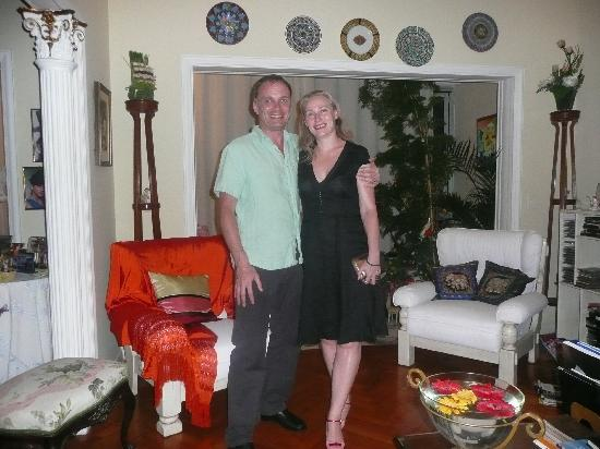 Arpoador Bed and Breakfast: Us in Inia's living room
