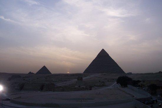 Kahire, Mısır: le piramidi al tramonto