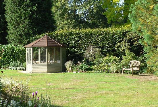 Fieldswood Bed and Breakfast Hadlow: Summer house, Fieldswood
