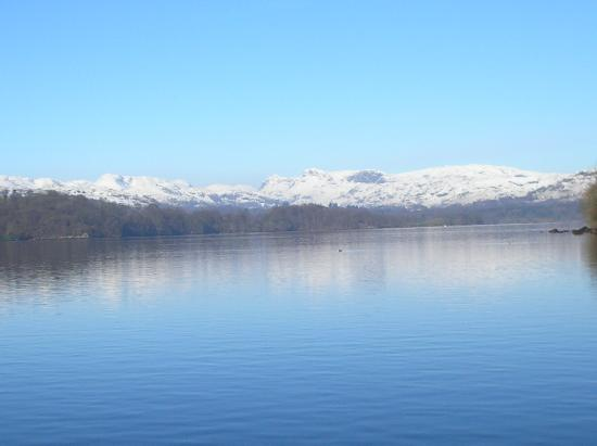 Cragwood Country House Hotel: The view for a 5 minute stroll from the hotel, to Lake Windermere