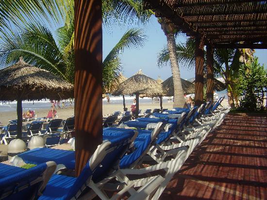 Barcelo Ixtapa: Toujours des chaises en quantité suffisante