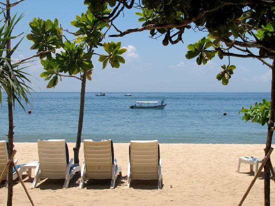 Nusa Dua Beach Hotel & Spa : beach at hotel