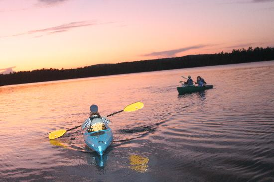 Medomak Camp and Retreat Center: A sunset canoe/kayak ride