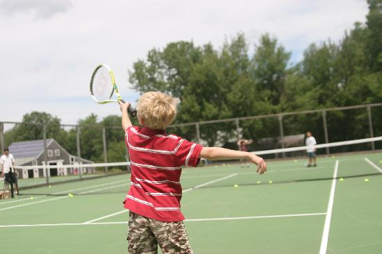 Medomak Camp and Retreat Center : Tennis