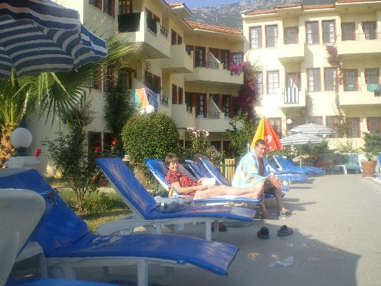 Celay Hotel: pool