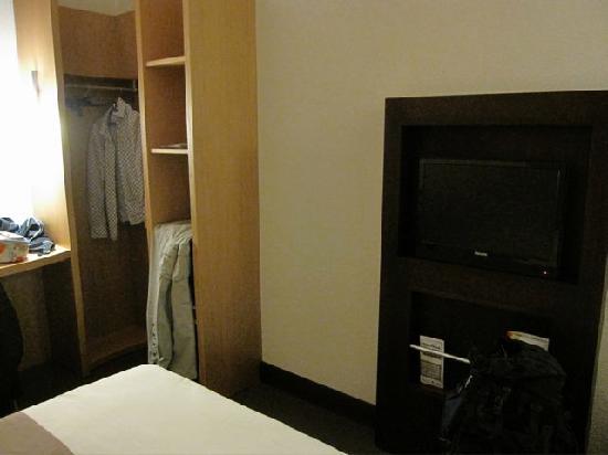 Ibis Abidjan Plateau : bedroom