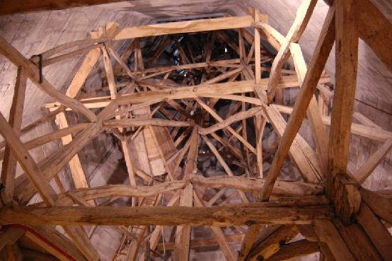 Salisbúria, UK: Wooden framework inside the spire