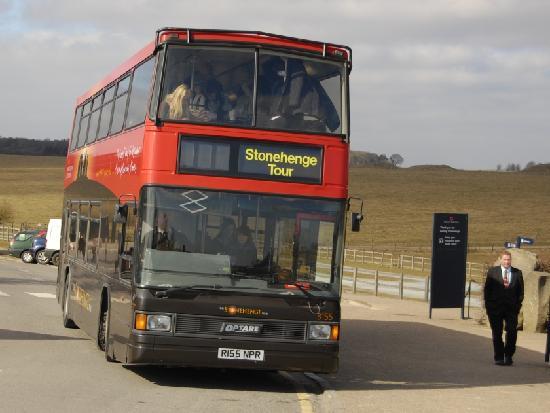 Stonehenge: Beware of the buses!