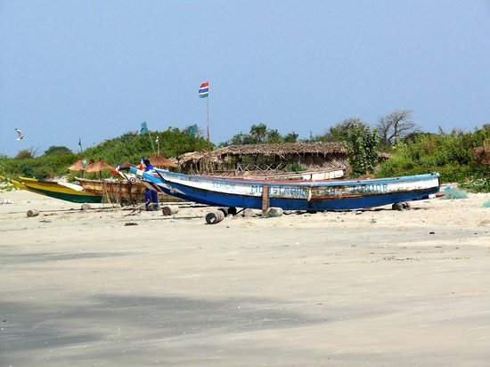 Tujereng, Gambia: Beached Boats