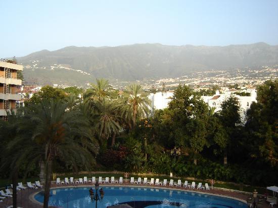 Hotel Botanico & The Oriental Spa Garden : vistas desde la habitacion al teide