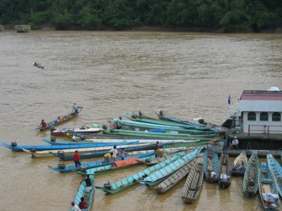 Kapit, Malasia: 长船