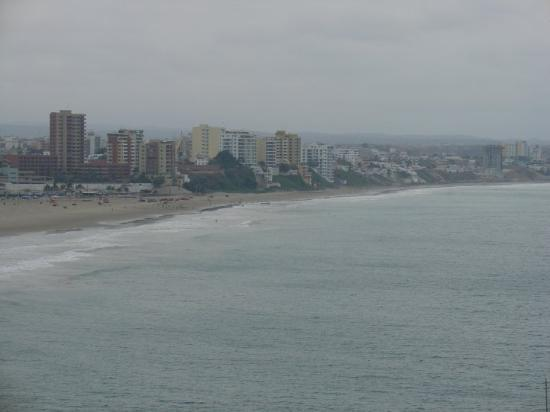 Manta, Ecuador: another view of the coastline