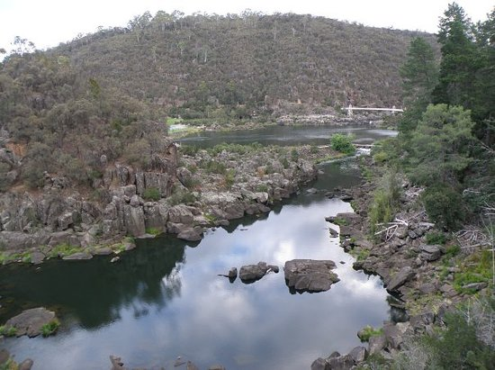 LAUNCESTON'S CATERACK GORGE