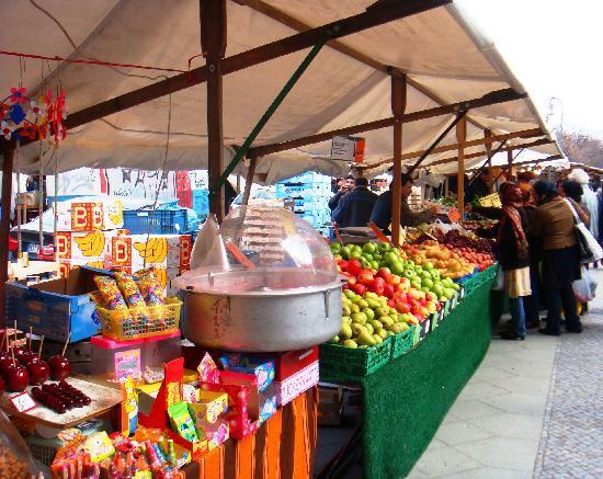 Berlin Plaza Hotel: Turkish Market