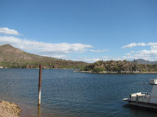 Apache Lake Marina and Resort: Apache lake