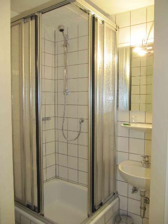 Pension Kirchgasse: Bathroom
