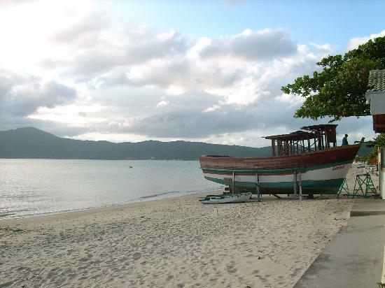 Pousada Ilha Bella : Playa tranquila en Canto grande