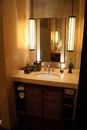 The Legian Bali: clean washstand (2 available)