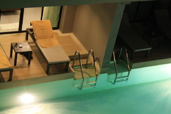 Aree Tara Resort: Ground floor rooms with balcony that faces the pool