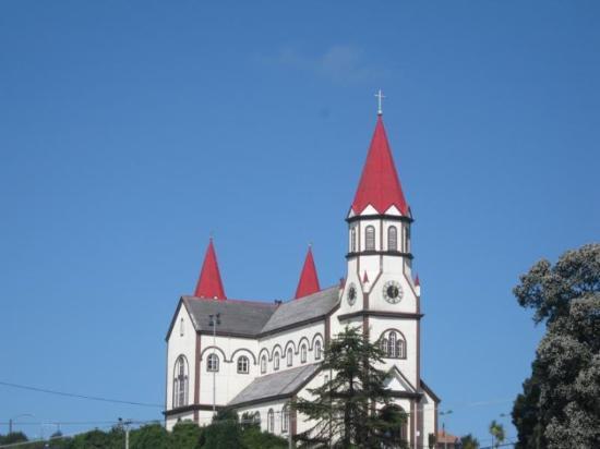 بويرتو فاراس, شيلي: Die Schwarzwaldkirche