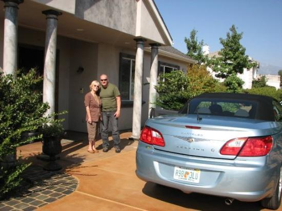 Cherry Valley, Калифорния: JUST ARRIVED TO MY COUSINS HOUSE. CAR WE RENTED IN CALIFORNIA