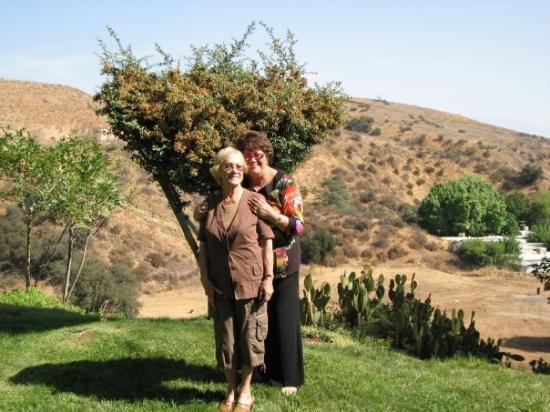 Cherry Valley, Californië: ME WITH MY AUNTY SHE'S MY MUM'S ELDEST SISTER
