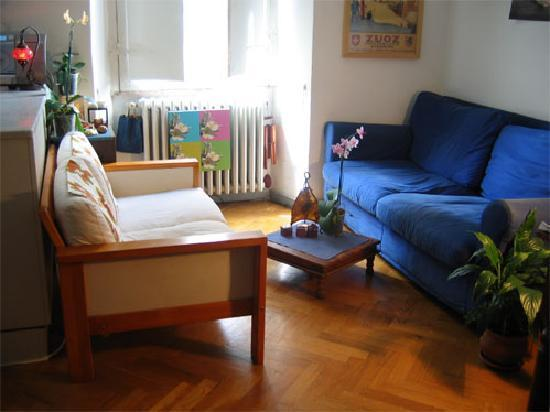Maria-Rosa Guesthouse: Living-room (shared area)